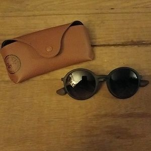 Ray ban round lens sungsses